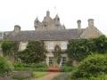 Замок со стороны садов