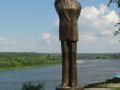 Памятник Ахмадулиной